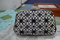 Кружева на коклюшках: Все статьи Lace Heart, Lace Jewelry, Bobbin Lace, Lace Detail, Tatting, Purses And Bags, Band, Coin Purse, Wallet