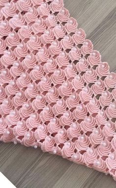 Learn how to create the Crochet Bead Stitch. The bead stitch is similar to a puff stitch but it is worked around a double crochet next to it instead. Learn to crochet beads stitch wh pretty and super stretchy crochet ribbing. I pinimg com