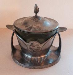 Kayserzinn Jugendstil pewter honey dish designed by Hugo Leven 1902-1904.