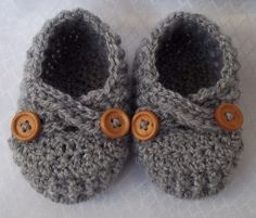 crocheted baby shoes #adorable
