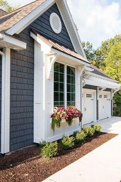 House Paint Exterior, Exterior House Colors, Exterior Design, Exterior Siding, House Siding, Exterior Windows, Corbels Exterior, Grey Exterior, Exterior Remodel