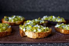 leek toasts with blue cheese