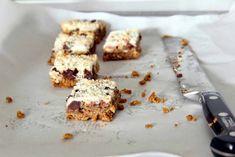 Arabafelice in cucina!: Barrette furbissime al cocco e cioccolato, che non sporcano nulla!
