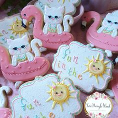 Newly released Bubbles and Pearls mould from and seashell moulds Royal Icing Cookies, Cupcake Cookies, Sugar Animal, Farm Cookies, Cookie Crush, Summer Cookies, Cookie Designs, Cookie Ideas, Decorated Cookies