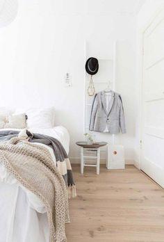 White home in The Netherlands via VT Wonen Scandi Bedroom, Rustic Bedroom Design, Farmhouse Master Bedroom, Bedroom Inspo, Home Bedroom, Bedroom Ideas, Big Beds, Dreams Beds, My New Room
