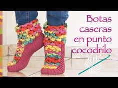 Botas de casa tejidas a crochet en punto cocodrilo - YouTube