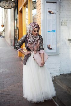 Layers and tulle | amazingly gorgeous and creative outfit.