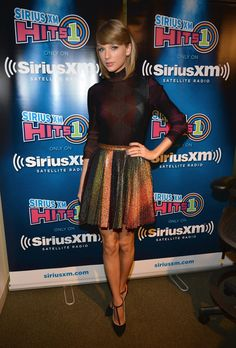 Taylor Swift cute outfit.