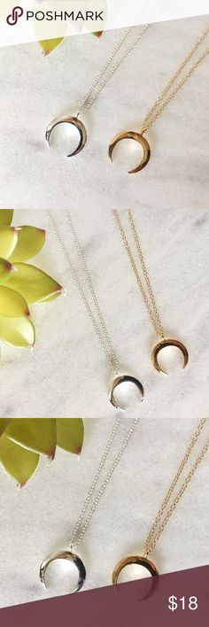 """NEW! Horn necklace gold or silver This very nice Horn shape necklace is available in gold or silver plated zinc alloy.  The necklace measures 18"""" long🎀bundle to receive discount pearl street Jewelry Necklaces"""