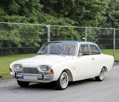 """1960 - 1964 Ford Taunus 17m P3 """"Badewanne"""" In Nederland noemden we dit model  """"badkuip"""""""