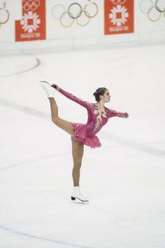 Roller Derby, Roller Skating, Ice Skating, Figure Skating Outfits, Figure Skating Costumes, Katarina Witt, Girls Football Boots, Women Figure, Ladies Figure