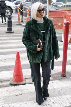 40+Style inspiration: Linda Fargo at New York Fashion Week   40plusstyle.com