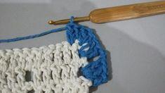 JOGO DE COZINHA HARMONIA EM CROCHÊ COM PASSO A PASSO Pineapple Crochet, Filet Crochet, Floor Mats, Merino Wool Blanket, Crochet Necklace, Blue Carpet, Kitchen Playsets, Needlepoint, Manualidades