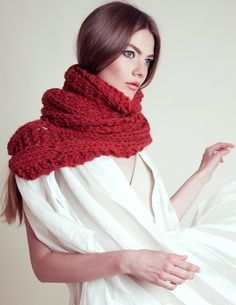 Infinite scarf in reddish color, very long / lace knit, winter wear for women made by wool