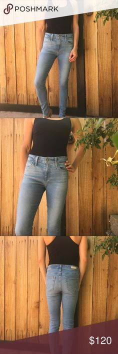 Farrah skinny ankle AG Jeans 🎉HUGE SALES🎉 Farrah skinny ankle Jean. AG brand. Excellent condition worn once. Light wash Size 24 regular. #jeans #denim #agjeans Ag Adriano Goldschmied Jeans Skinny