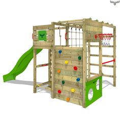 Klatrestativ med sklie FitFrame Fresh XXL. Her kan barn skli, klatre, turne i svingstangen og spille fotball. Nå hos FATMOOSE