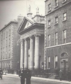 St. Francis Xaviar Church, Gardiner St, 1940s. Dublin Street, Dublin City, Francis Xavier, St Francis, Old Pictures, Old Photos, Irish Drinks, Irish Landscape, Castles In Ireland
