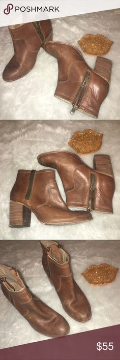 Hinge Leather Ada Booties Distressed these booties are so perfect for summer concerts and transition perfectly to every season. Scuffs were there when bought and added a few more through wear//but it gives the boots character 😍 these have an amazing zipper on both sides of the boot. Genuine leather. Offer through button only please, no trades 💖 Hinge Shoes Ankle Boots & Booties