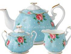 Trend porselen emaye çaydanlık Fotoğrafları