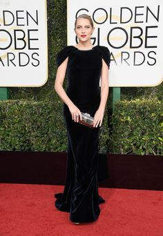 Golden Globes 2017: Fashion—Live From the Red Carpet - Teresa Palmer in an Armani Privé gown and Sophia Webster platforms