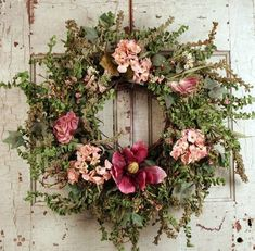 ۞ Welcoming Wreaths ۞ DIY home decor wreath ideas - pink mauve
