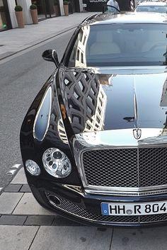 Bentley Mulsanne..