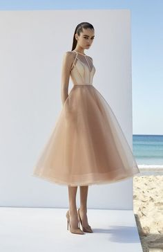56 Fashion Short Prom Dress You will love 2019 A lot of new short prom dresses you will find from the textures that keep their shape and have an extended bottom, while made in a monochrome that looks great. Chic short dresses at the prom in Trendy Dresses, Elegant Dresses, Cute Dresses, Beautiful Dresses, Casual Dresses, Short Dresses, Formal Dresses, Short Gown Dress, Dress Outfits