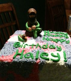 A girly duck dynasty cake with uncle si