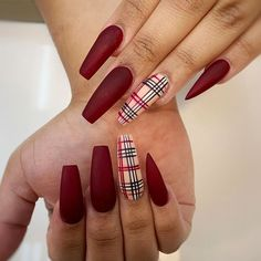 Matte Red Nails With Burberry Accent Season Nails Art Ideas That Youll Wa Elegant Nails, Classy Nails, Stylish Nails, Cute Nails, Pretty Nails, Elegant Chic, Fall Nail Art Designs, Red Nail Designs, Red Acrylic Nails