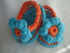 Lamby.ca - Baby Flip Flops with flower $14 - SOLD