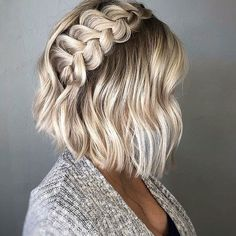 23 Quick and Easy Braids for Short Hair – Easy Hairstyles Easy Hairstyles For Medium Hair, Braids For Short Hair, Short Hairstyles For Women, Medium Hair Styles, Short Hair Styles, Short Haircuts, Hairstyles 2018, Trendy Hairstyles, Hairstyles Pictures