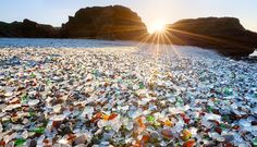 Glass_Beach_California_sun.jpg 830×478 ピクセル
