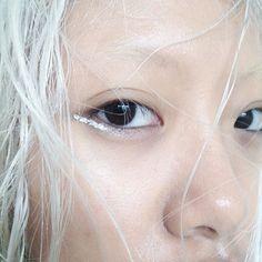 Silver eyeliner More