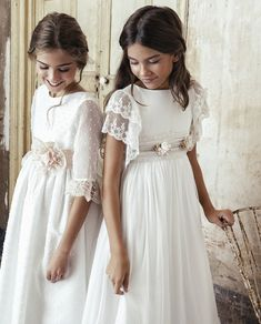 Find the perfect First Communion Dresses, First Holy Communion Dresses in Styletheaisle's Communion Dresses collection. The most beautiful designs of Dresses for First Communion and Girls Communion Dresses are NOW available. Girls White Dress, Little Girl Dresses, Girls Dresses, Flower Girl Dresses, Dresses Short, Girls First Communion Dresses, Holy Communion Dresses, White Communion Dress, Confirmation Dresses