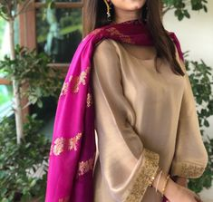 Pakistani Fashion Party Wear, Pakistani Wedding Outfits, Indian Fashion Dresses, Dress Indian Style, Indian Designer Outfits, Indian Outfits, Pakistani Designer Clothes, Fashion Wear, Indian Wear