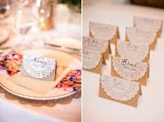 lacy napkins in the decoration Card Table Wedding, Diy Wedding, Rustic Wedding, Paper Doily Crafts, Paper Doilies, Adoption Party, Wedding Favors For Guests, Ideas Para Fiestas, Vintage Party