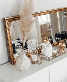 Room Ideas Bedroom, Home Decor Bedroom, Girl Apartment Decor, Gold Home Decor, Decor Room, Bedroom Inspo, Bedroom Designs, Aesthetic Room Decor, Beauty Room