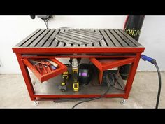 Making a welding table with a rotary platform. Welding Bench, Welding Cart, Welding Tips, Tool Shed Organizing, Garage Tool Storage, Metal Projects, Welding Projects, Metal Work Table, Shielded Metal Arc Welding