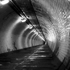 Greenwich Foot Tunnel by By thepaparazzo/Mike Dean on flickr