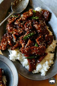 We love this Mongolian beef recipe. It's a quick, easy and delicious stir-fry dish of tender beef coated in a slightly sweet and savory sauce. We love to serve it over steamed rice! Rice Recipes, Asian Recipes, Cooking Recipes, Chinese Recipes, Thai Recipes, Stir Fry Dishes, Beef Dishes, Leftover Steak Recipes, Mongolian Beef Recipes