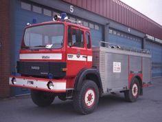 Gamle lastebiler - Kallesignal / Bilummer 52 Typebil Mannskapsbil Reg Nr DC 9234 Fabrikkmerke Magirus Deutz Modell 130M 7F TYPE 8 Påbygg - Betegnelse - Års modell 1981 Ombygget År - Historikk - Vanntank Sande brannstasjon Skumtank - Status 2100