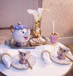 Beauty And The Beast Tea Set Teapot.perfect for child tea party Casa Disney, Disney Rooms, Deco Disney, Disney Pixar, Disney Collection, Tee Set, Beauty And The Beast Party, Beauty Beast, Disney Home Decor