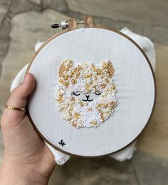 #handembroidery #llama #frenchknots #cute inspired by: @etsy