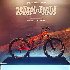 Neuer Filmstar von ⭐TREK⭐ Bikes auf der Trek World 2020 in Ulm 🚲 @diamantfahrrad @trekbikes @electrabike @ridebontrager . . . Like ❤… Trek Bikes, Star Wars, Earth, Movie, Movie Stars, Bicycle, Starwars, Star Wars Art, Mother Goddess