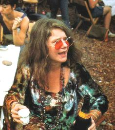 Janis Joplin Greatest blues singer that ever lived. You can feel her pain when she sing Me and Bobby McGee.