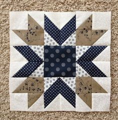 Blueberry Pie Quilt Block Pattern (PDF FREE) https://www.patchworksquare.com/mf/blueberry-pie-quilt-block.pdf