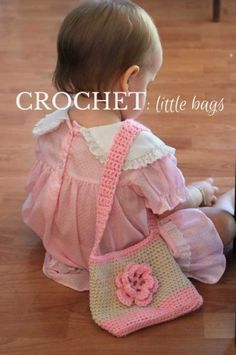 Crochet Purses Ideas CROCHET--little-bags, free pattern, Oh So Cute! - A sweet little bag to hold all your little one's treasures, a free crochet pattern: little handbags for kids. Super easy (and fast! Crochet Handbags, Crochet Purses, Crochet Clutch, Purse Patterns Free, Crochet Patterns, Free Pattern, Handbag Patterns, Sewing Patterns, Crochet Girls