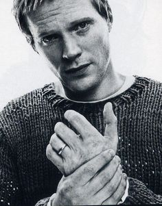 Yes, I totally think Paul Bettany is hot. Pretty People, Beautiful People, Nice People, Paul Bettany, Raining Men, Famous Faces, Famous Men, Famous People, British Actors
