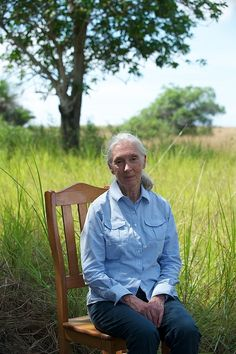 Jane Goodall, eyes seem tired but oh the life and lifestyle. Her heart always full of adventure.