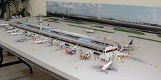 1:400 Single Runway Gemini #1 Model Airport and Airliners | Model ...
